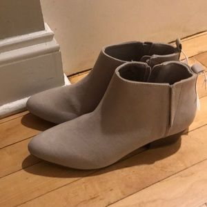 BRAND NEW NEVER WORN OLD NAVY BOOTIES